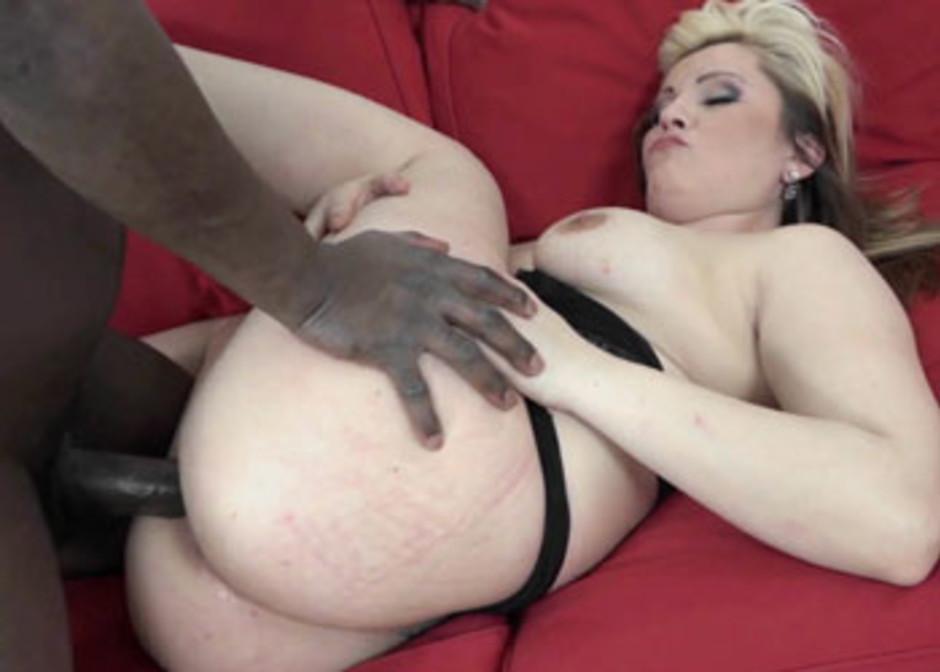 Mature curvy wife wet pussy black Curvy Wife Kika Pounds A Big Black Cock