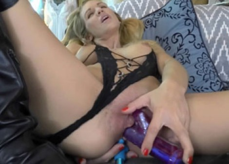 Jolene Devil's in boots and getting fucked